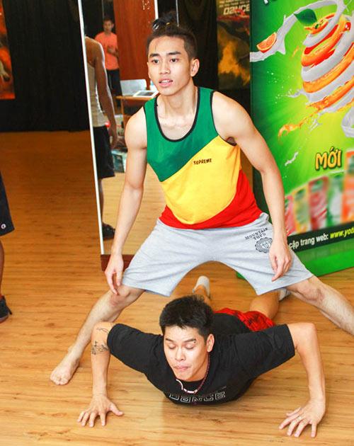 Đề tài đồng tính lên sân khấu Bước nhảy - 2