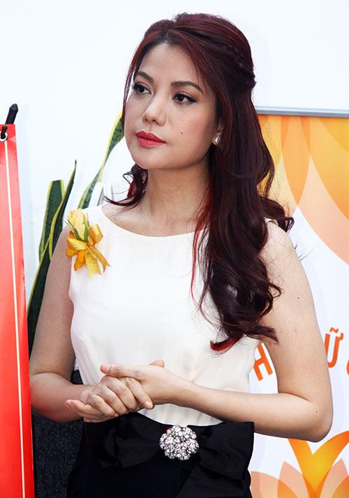 Trương Ngọc Ánh nhận giải Phụ nữ của năm - 1
