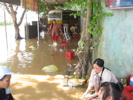 Sau mưa lũ, cẩn trọng với ngộ độc, tiêu chảy - 1