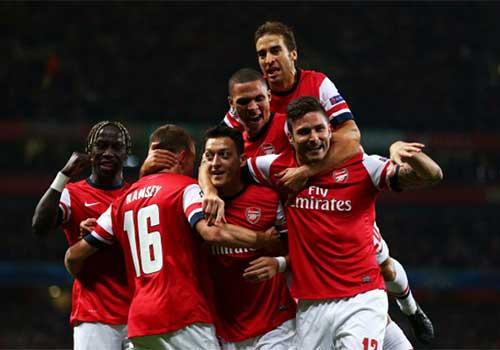 Mesut Oezil đã làm đổi đời Arsenal - 1