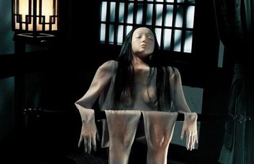 """Video: Châu Tấn """"lột da"""" tắm trần - 8"""