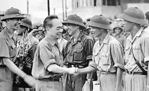 Những bức ảnh lịch sử về Đại tướng Võ Nguyên Giáp - 12