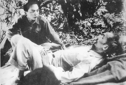 Những bức ảnh lịch sử về Đại tướng Võ Nguyên Giáp - 4