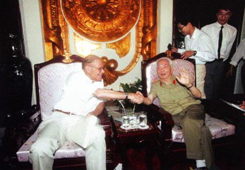 Những bức ảnh lịch sử về Đại tướng Võ Nguyên Giáp - 14