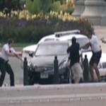 Tin tức trong ngày - Video vụ đuổi bắn ôtô lao vào Nhà Trắng