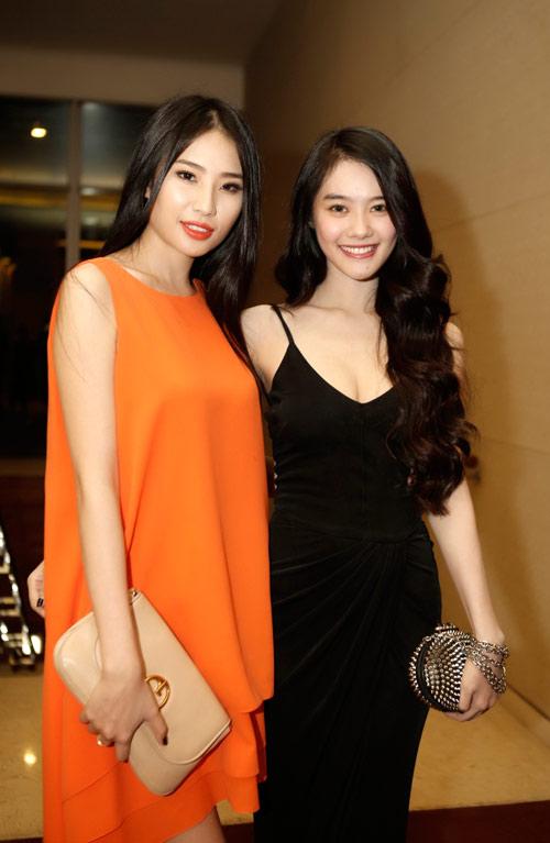 Linh Chi đọ dáng với Á hậu Minh Thư - 2