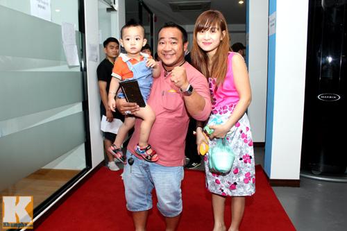 Vợ chồng Hà Tăng giản dị đi xem đấu võ - 11