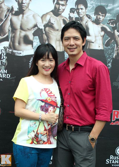 Vợ chồng Hà Tăng giản dị đi xem đấu võ - 12