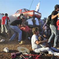 """Mexico: Xe quái vật """"nổi điên"""", 8 người chết"""