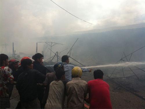 Tiền Giang: Cháy rụi chợ trái cây Thạnh Trị - 2