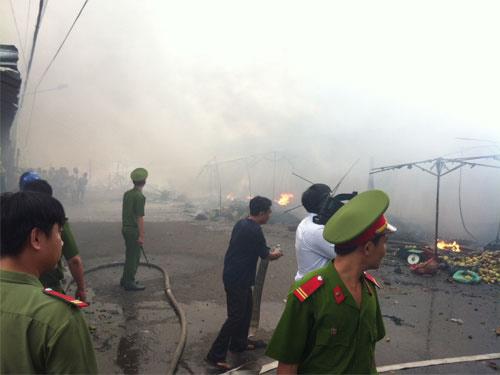 Tiền Giang: Cháy rụi chợ trái cây Thạnh Trị - 3