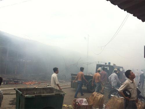 Tiền Giang: Cháy rụi chợ trái cây Thạnh Trị - 4