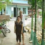 Tin tức trong ngày - Cuộc tình kỳ lạ của triệu phú Mỹ và cô gái Việt