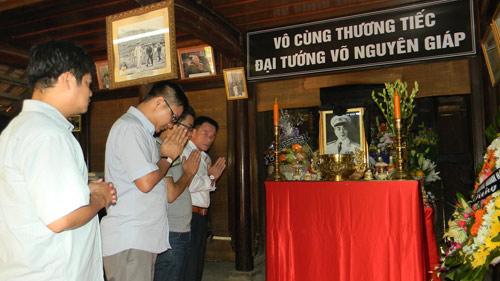 Người Quảng Bình nghiêng mình trước di ảnh Tướng Giáp - 8