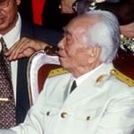 Tin tức trong ngày - Người dân thế giới chờ được viếng Đại tướng