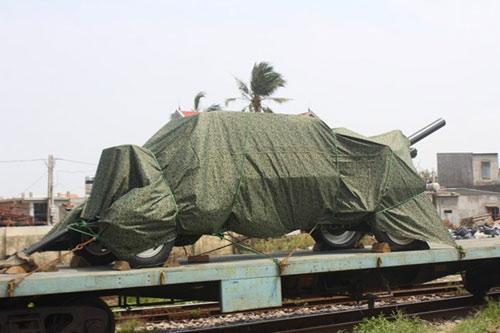 Tàu đặc biệt chở nắp mộ Đại tướng đã tới QB - 5