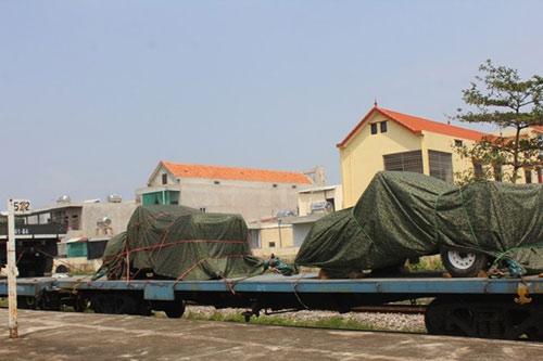 Tàu đặc biệt chở nắp mộ Đại tướng đã tới QB - 7