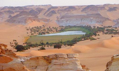 Hồ nước kỳ diệu giữa sa mạc Sahara - 3