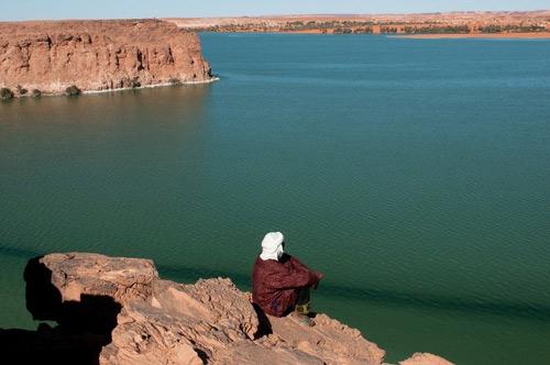 Hồ nước kỳ diệu giữa sa mạc Sahara - 4
