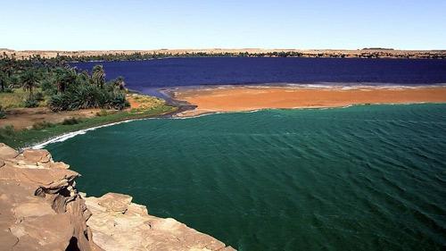 Hồ nước kỳ diệu giữa sa mạc Sahara - 6