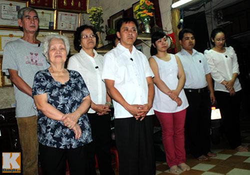 Người dân TPHCM làm lễ tưởng niệm Đại tướng - 2