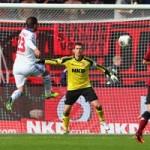 "Bóng đá - Van der Vaart ""cắt kéo"" siêu đỉnh ở V8 Bundesliga"