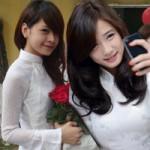 """Thời trang - Hot girl Việt """"ghi điểm"""" bằng áo dài"""