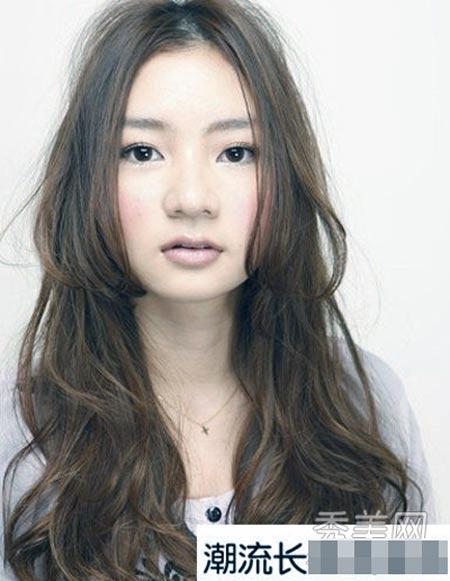 9 kiểu tóc xoăn dành cho cô gái mùa Thu - 6