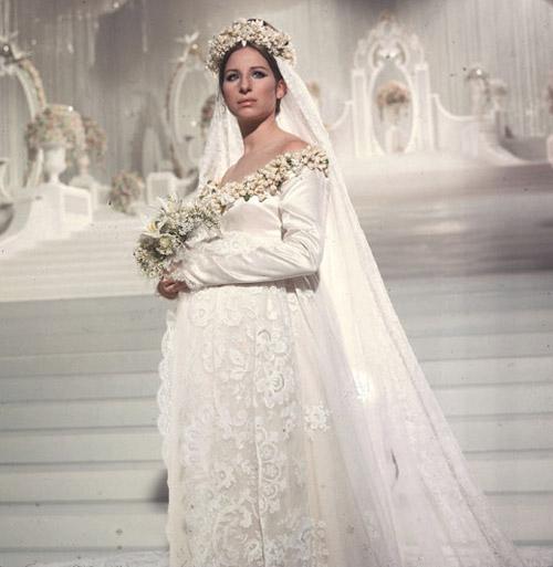 Những bộ váy cưới nổi tiếng nhất màn bạc - 10