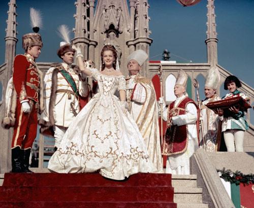 Những bộ váy cưới nổi tiếng nhất màn bạc - 5