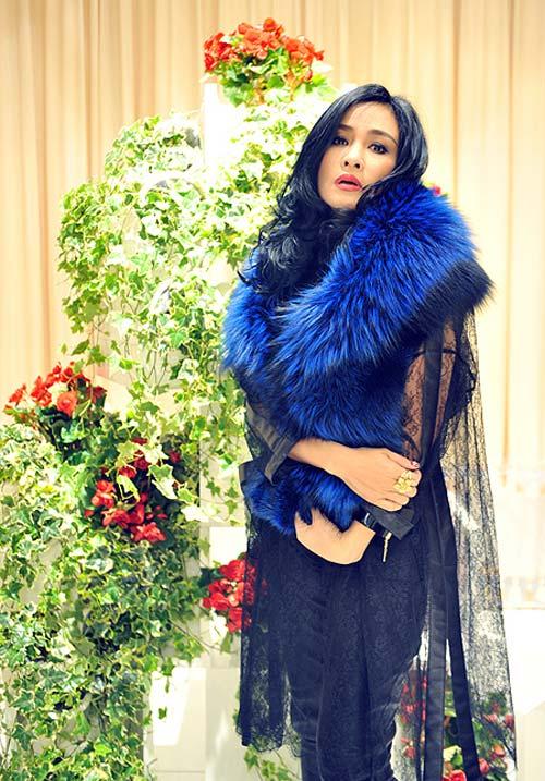 """Diva Thanh Lam mất điểm vì """"hoa lá cành"""" - 17"""