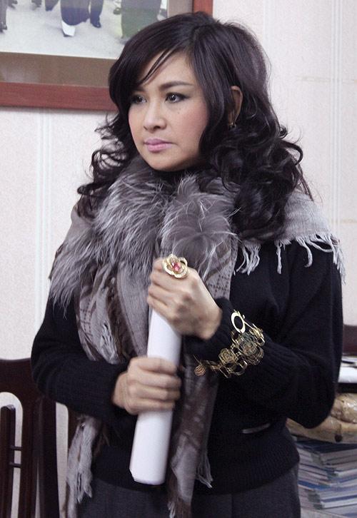 """Diva Thanh Lam mất điểm vì """"hoa lá cành"""" - 18"""