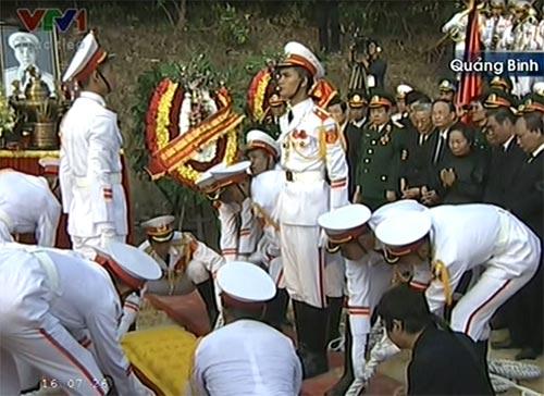 Toàn cảnh Lễ an táng Đại tướng Võ Nguyên Giáp - 17