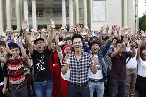 Bão Vietnam Idol đổ bộ TP.HCM - 4