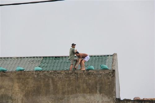 Đà Nẵng hối hả phòng chống bão Nari - 10