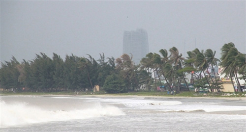 Đà Nẵng hối hả phòng chống bão Nari - 11