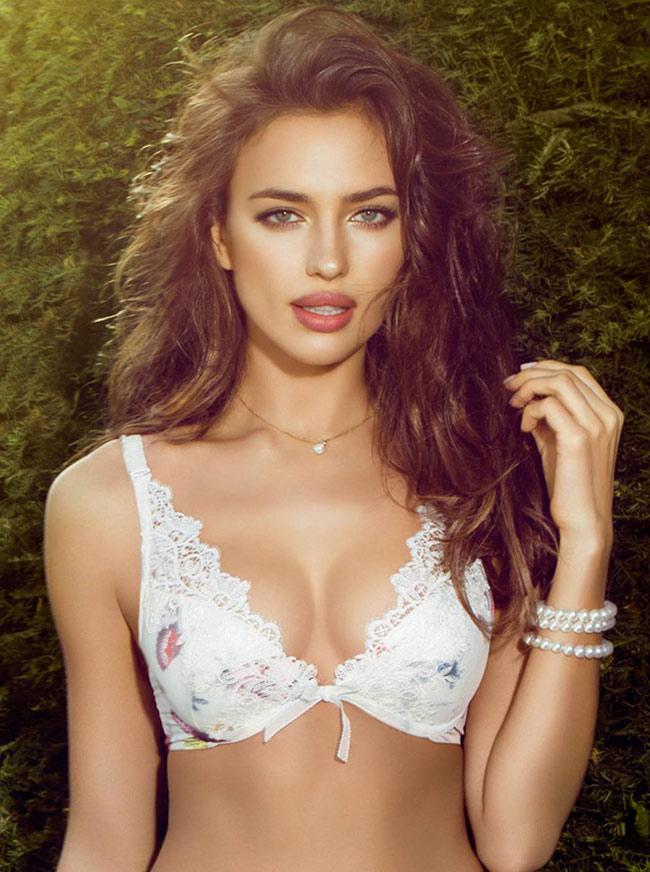 Nhiều năm gần đây, Irina Shayk là người mẫu bận rộn nhất thế giới với những bản hợp đồng quảng cáo đắt giá.