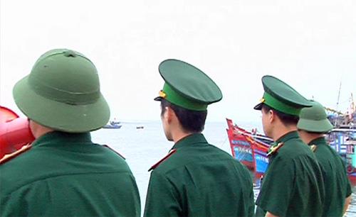 Bão Nari bắt đầu tàn phá miền Trung - 7