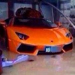 Ô tô - Xe máy - Lamborghini Aventador Roadster ngập trong nước lũ