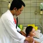 Sức khỏe đời sống - Xử lý khi trẻ uống nhầm thuốc, hóa chất