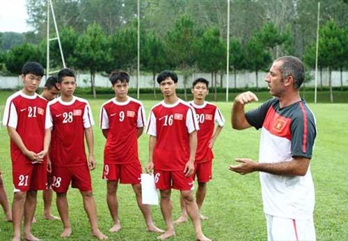 HLV U19 Việt Nam hạnh phúc khi chính thức gia hạn hợp đồng thêm 7 năm - 1