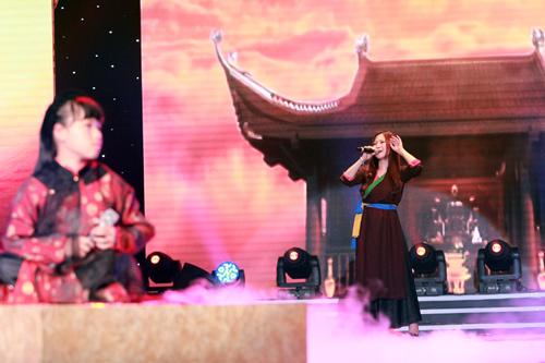 Diva nhí tỏa sáng bên Hương Tràm - 4