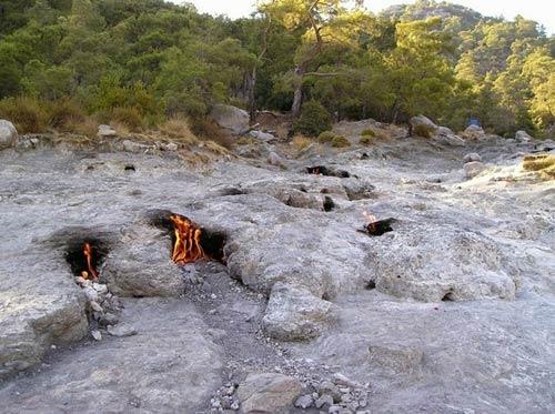 Những ngọn lửa bất diệt ở Thổ Nhĩ Kỳ - 3