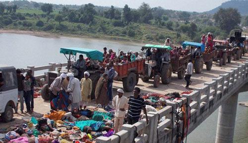 Vụ giẫm đạp ở Ấn Độ: Lời người sống sót - 1