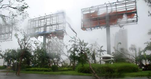 Chùm ảnh: Bão Nari càn quét miền Trung - 11