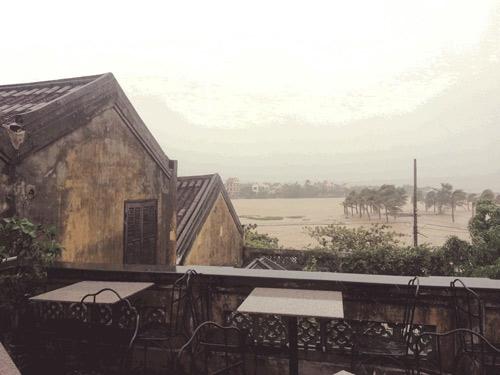 Chùm ảnh: Bão Nari càn quét miền Trung - 35