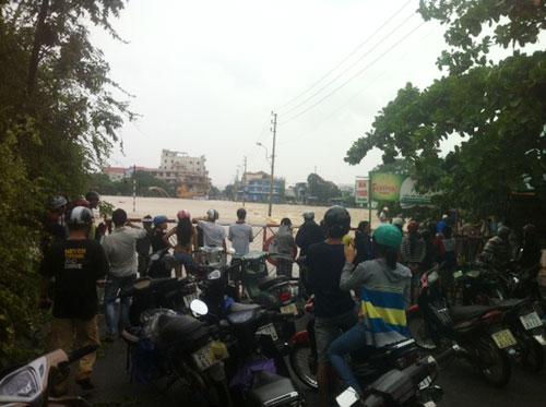 Chùm ảnh: Bão Nari càn quét miền Trung - 26