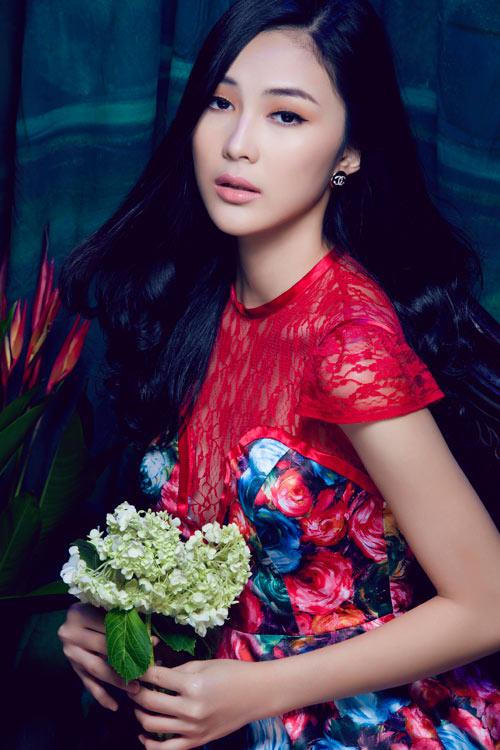 Hot girl Việt gợi cảm cùng cỏ hoa - 10