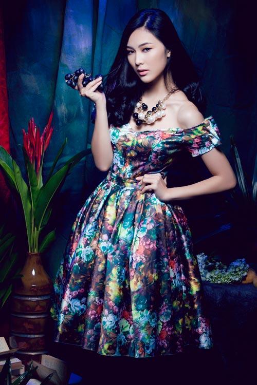 Hot girl Việt gợi cảm cùng cỏ hoa - 2