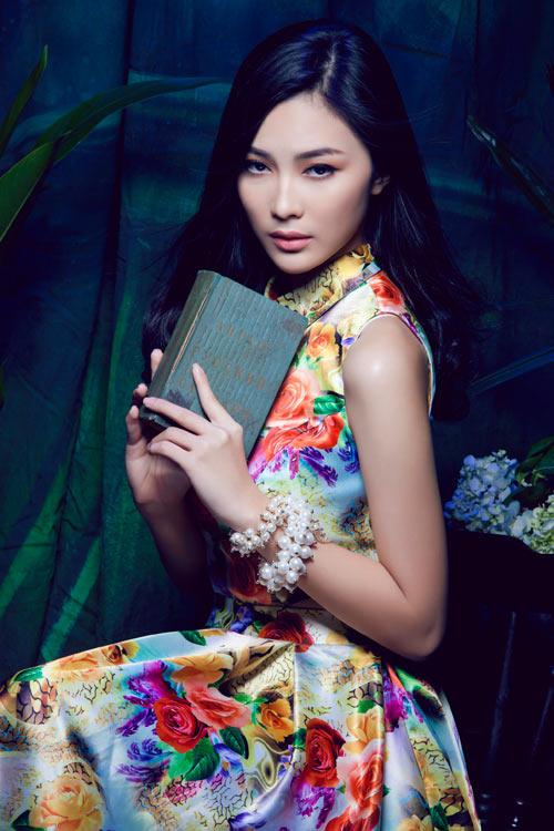 Hot girl Việt gợi cảm cùng cỏ hoa - 3